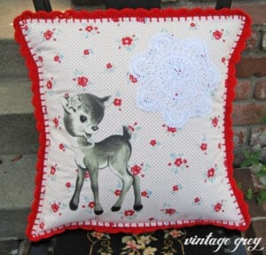 Pretty DIY: Vintage Deer Pillow