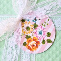 free-vintage-floral-gingham-printable-tags-2