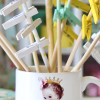 Crafts: Easiest Way to Paint Clothespins